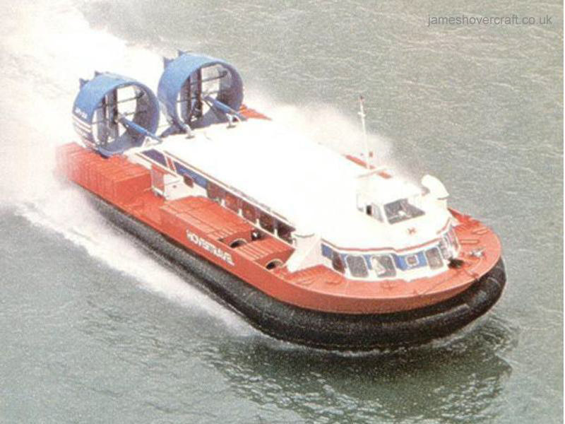 AP1-88 hovercraft - An AP1-88 in cruise during a Southsea to Ryde crossing on the Solent (Photo in Croome, 1984)