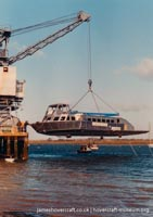 AP1-88 hovercraft number 1 - shipping the superstructure -   (The <a href='http://www.hovercraft-museum.org/' target='_blank'>Hovercraft Museum Trust</a>).