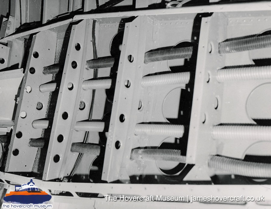 SRN6 close-up details - Structure (The Hovercraft Museum Trust).