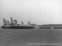 Boulogne hoverport -   (The <a href='http://www.hovercraft-museum.org/' target='_blank'>Hovercraft Museum Trust</a>).