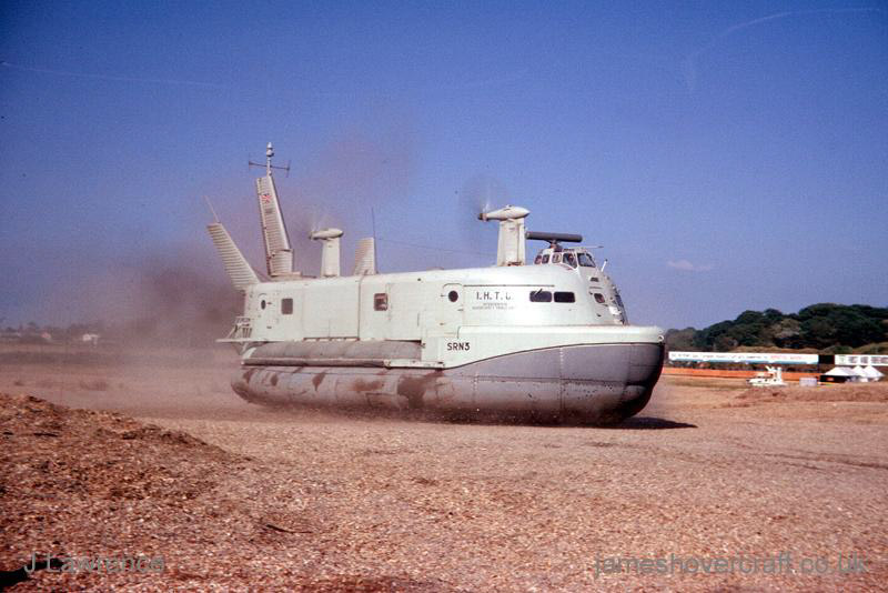 The SRN3 with the Inter-Service Hovercraft Trials Unit, IHTU - Departing (Pat Lawrence).
