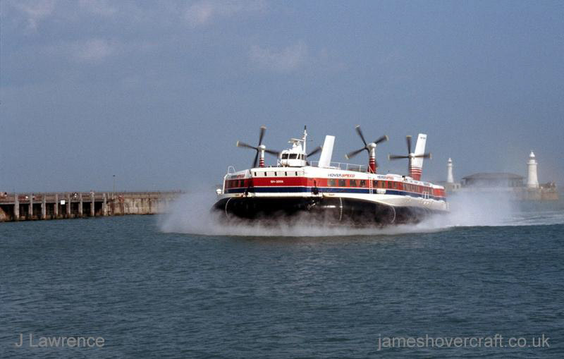 The SRN4 with Hoverspeed in Dover - Swift arriving at Dover Hoverport (Pat Lawrence).