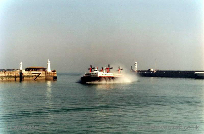 The SRN4 with Hoverspeed in Dover with a new livery - The Princess Anne (GH-2007) arriving into Dover (Pat Lawrence).