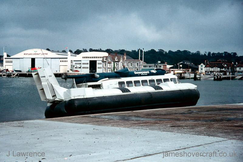 The SRN6 at Cowes under Seaspeed - Departing the slipway opposite BHC Columbine Works (Pat Lawrence).