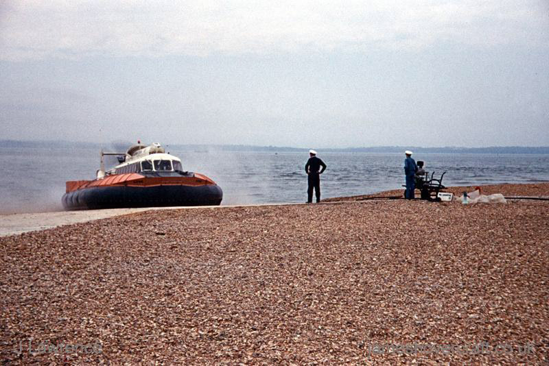 The SRN6 with Hovertravel - Arriving at Southsea (Pat Lawrence).
