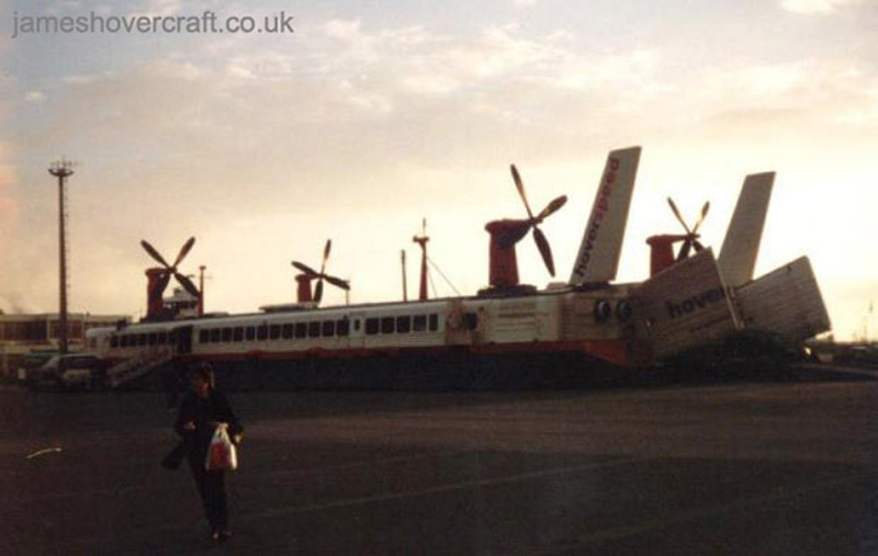 The last days of the SRN4 cross-channel service with Hoverspeed - The Princess Anne (GH-2006) landed at Calais (Thomas Loomes).