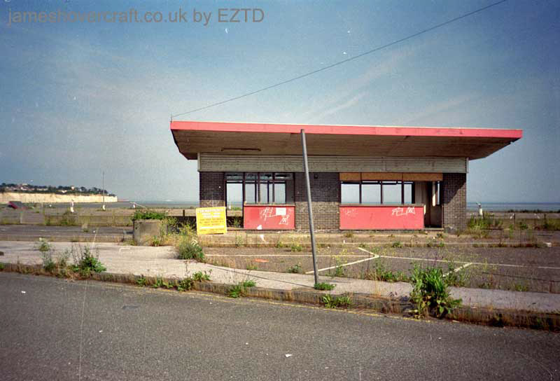 Ramsgate hoverport site, derelict - Car entry huts (EZTD).